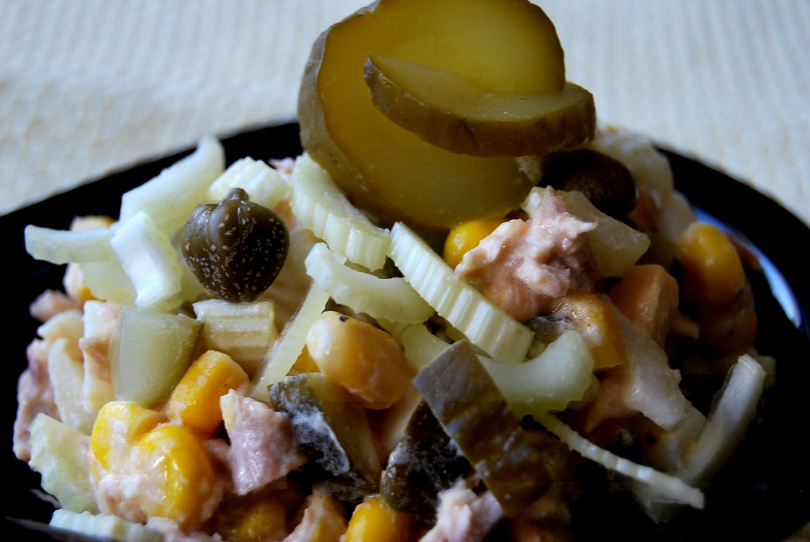 pasta z makreli z kaparami i selerem naciowym
